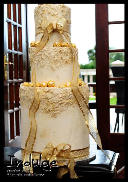 Fabulous Gold and White Wedding Cakes 424 x 600 · 84 kB · jpeg